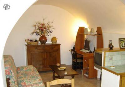 prix de la location entre 260 et 550 euros la semaine toutes chargescomprises avec m nage linge. Black Bedroom Furniture Sets. Home Design Ideas