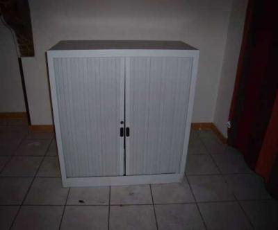 Vend armoire a rideau dimensions de hauteur 1m de largeur et 40cm deprofondeur - Le bon coin champagne ardennes meubles ...