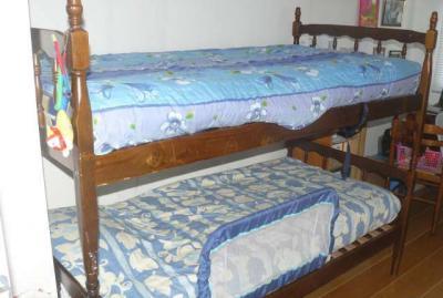 pour l 39 achat des lits nous donnons deux couettes de 1. Black Bedroom Furniture Sets. Home Design Ideas