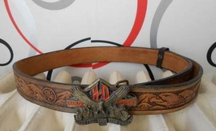 vend cette tres belle et epaisse ceinture harley davidson 30 euros. Black Bedroom Furniture Sets. Home Design Ideas