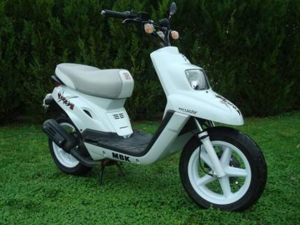 a vendre scooter mbk booster naked ann e 2007 kilom trage. Black Bedroom Furniture Sets. Home Design Ideas