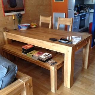 vends table de salle manger ch ne massif lodge 1 80 m 2bancs ch ne massif lodge 1 53 m etat. Black Bedroom Furniture Sets. Home Design Ideas